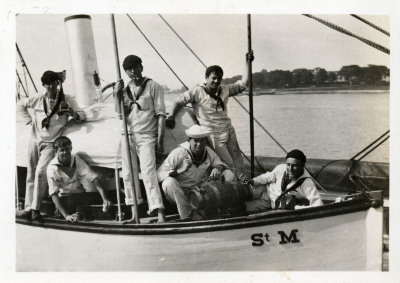 Image of cadets in rowboat.
